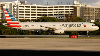 A picture of N546UW - Airbus A321231 - American Airlines - © Giovanni Segarra Ortiz
