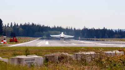 KNRA - Airport - Spotting Location