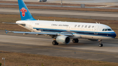 A picture of B6682 - Airbus A320214 - China Southern Airlines - © Jerry_Hammer