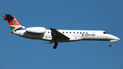 A picture of ZSSNV - Embraer ERJ135LR - Airlink - © R. Eikelenboom