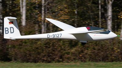 D-9127 - Schempp-Hirth Discus B - Private