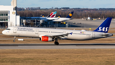A picture of OYKBF - Airbus A321232 - SAS - © Alexander Nieder