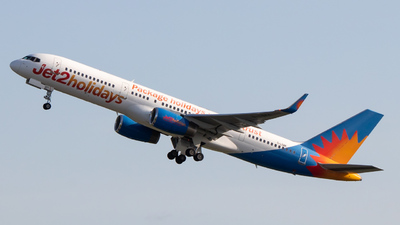A picture of GLSAK - Boeing 75723N - Jet2 - © Egccarchie