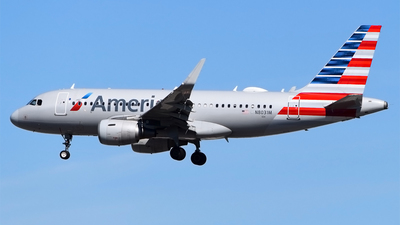 A picture of N8031M - Airbus A319115 - American Airlines - © Doug Marsh
