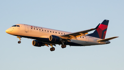 A picture of N613CZ - Embraer E175LR - Delta Air Lines - © Stephen J Stein