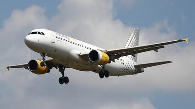 EC-KCU - Airbus A320-216 - Vueling