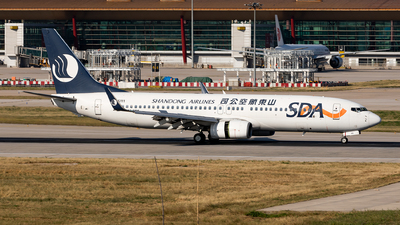 B-5111 - Boeing 737-85N - Shandong Airlines
