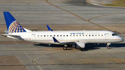 A picture of N113SY - Embraer E175LR - United Airlines - © Jason Whitebird