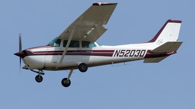 A picture of N5203D - Cessna 172N Skyhawk - [17272446] - © Yixin Chen