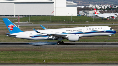 F-WZNQ - Airbus A350-941 - China Southern Airlines