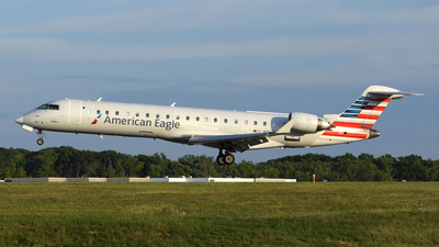 A picture of N745SK - Mitsubishi CRJ701ER - American Airlines - © DJ Reed - OPShots Photo Team