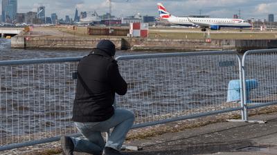 EGLC - Airport - Spotting Location