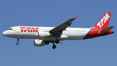 PR-MYI - Airbus A320-214 - TAM Linhas Aéreas