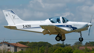 I-A293 - Alpi Pioneer 300 Hawk - Private