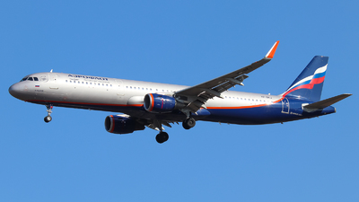 A picture of VPBKJ - Airbus A321211 - Aeroflot - © Vitaly Revyakin