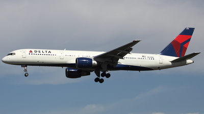 N639DL - Boeing 757-232 - Song
