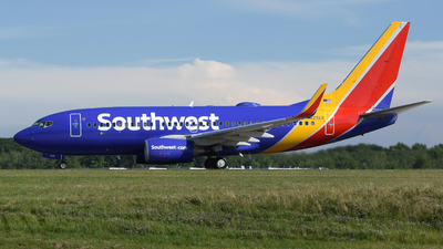 A picture of N425LV - Boeing 7377H4 - Southwest Airlines - © DJ Reed - OPShots Photo Team