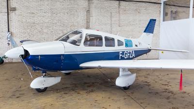 F-GFZA - Piper PA-28-180 Archer - Private
