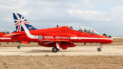 XX325 - British Aerospace Hawk T.1 - United Kingdom - Royal Air Force (RAF)