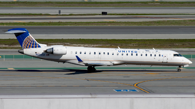 A picture of N790SK - Mitsubishi CRJ701ER - United Airlines - © global_flyer1