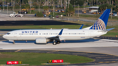 N14231 - Boeing 737-824 - United Airlines