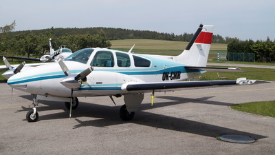 OK-CMR - Beechcraft 95-B55 Baron - Private
