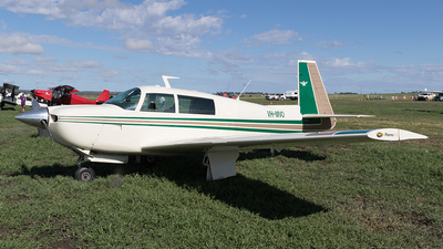 A picture of VHMVO - Mooney M20J - [240579] - © Tony Coles