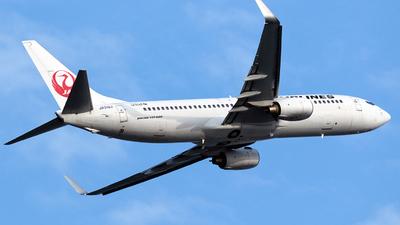 JA312J - Boeing 737-846 - Japan Airlines (JAL)
