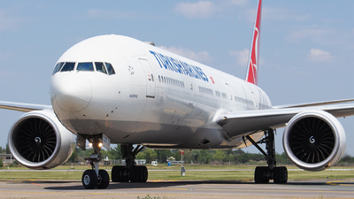 A picture of TCJJK - Boeing 7773F2(ER) - Turkish Airlines - © Robert Dumitrescu