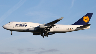 A picture of DABVT - Boeing 747430 - Lufthansa - © Mark de Bruijn
