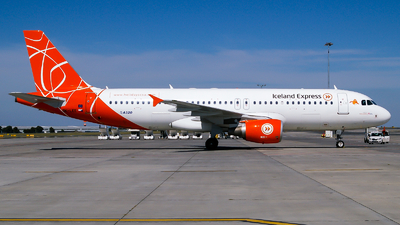 OK-LEE - Airbus A320-214 - Iceland Express (Holidays Czech Airlines)