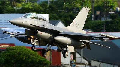 6827 - General Dynamics F-16BM Fighting Falcon - Taiwan - Air Force