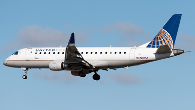 A picture of N116SY - Embraer E175LR - United Airlines - © Michael Place