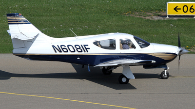N6081F - Rockwell Commander 114B - Private