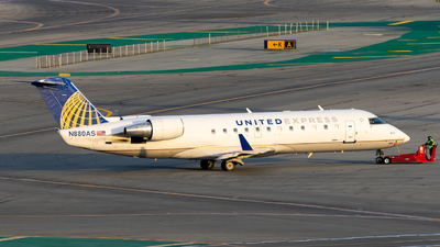 A picture of N880AS - Mitsubishi CRJ200LR - United Airlines - © Nick Sheeder