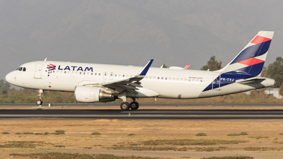 PR-TYJ - Airbus A320-214 - LATAM Airlines