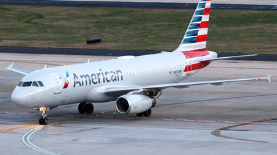 N654AW - Airbus A320-232 - American Airlines