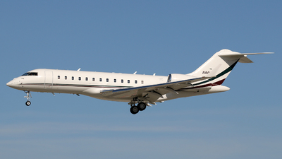 N90EW - Bombardier BD-700-1A10 Global Express - Private