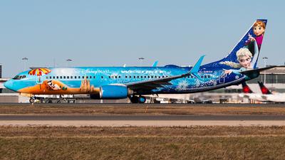 A picture of CGWSV - Boeing 7378CT - WestJet - © Leige Yang