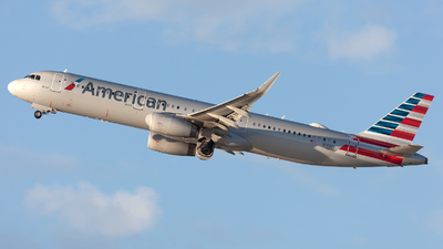 A picture of N141NN - Airbus A321231 - American Airlines - © William Vignes