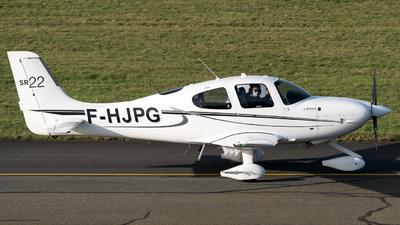 A picture of FHJPG - Cirrrus SR22 - [3934] - © Olivier Landes