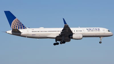 A picture of N12109 - Boeing 757224 - United Airlines - © Xiamen Air 849
