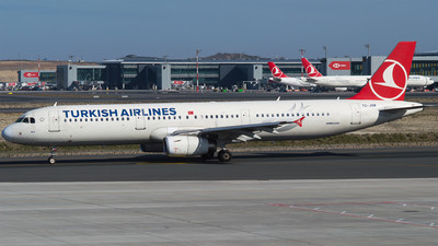 A picture of TCJSB - Airbus A321231 - Turkish Airlines - © Furkan Borakazi