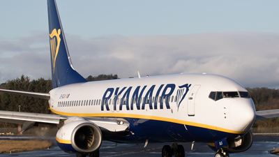 A picture of EIDLX - Boeing 7378AS - Ryanair - © Rolf Jonsen