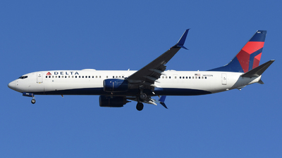 A picture of N815DN - Boeing 737932(ER) - Delta Air Lines - © DJ Reed - OPShots Photo Team