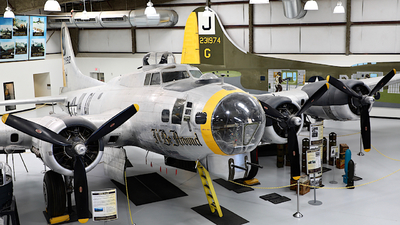 44-85828 - Boeing B-17G Flying Fortress - United States - US Army Air Force (USAAF)