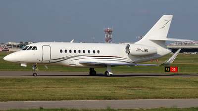 A picture of PHJWL - Dassault Falcon 2000LX - [276] - © Luca Gussoni
