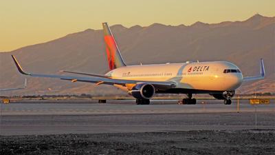 N177DZ - Boeing 767-332 - Delta Air Lines