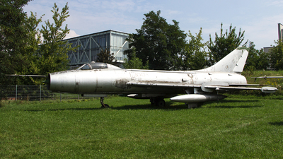 01 - Sukhoi Su-7BM Fitter A - Poland - Air Force