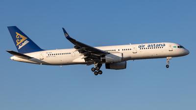 A picture of P4KCU - Boeing 75723N - [27971] - © Adam Parsons
